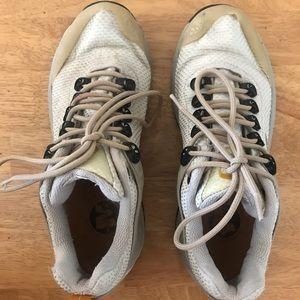 Merrell Women's US 7 Goretex Hiking Outdoor Shoes